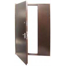 Дверь металлическая распашная.Металл с двух сторон.